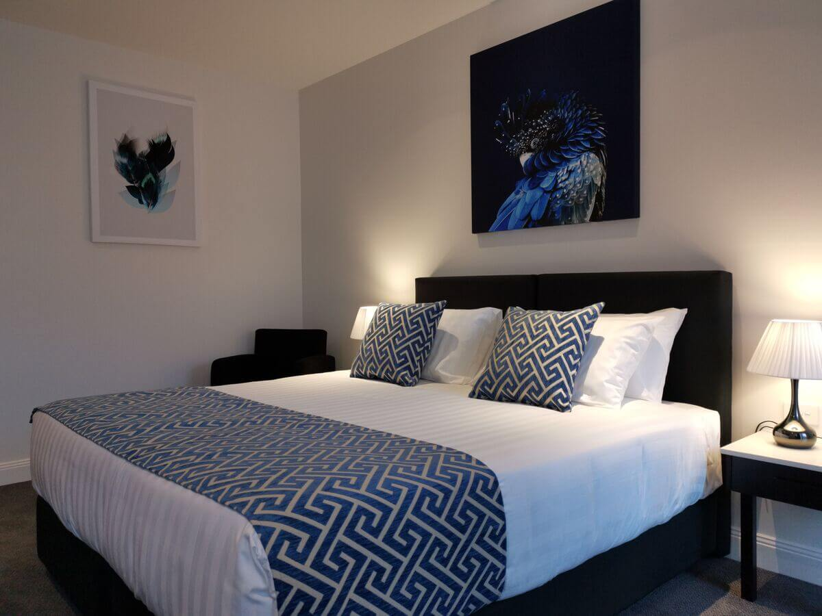 Executive King   Executive King   Executive King Room - - The Abbey Motel in Goulburn NSW