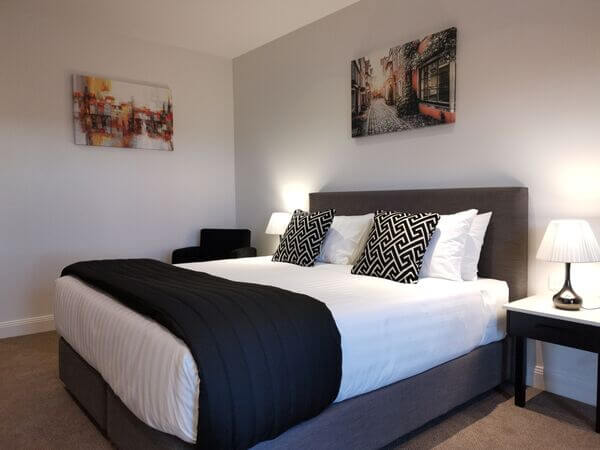 Deluxe King | Deluxe King | Deluxe King Room Accommodation - The Abbey Motel in Goulburn NSW